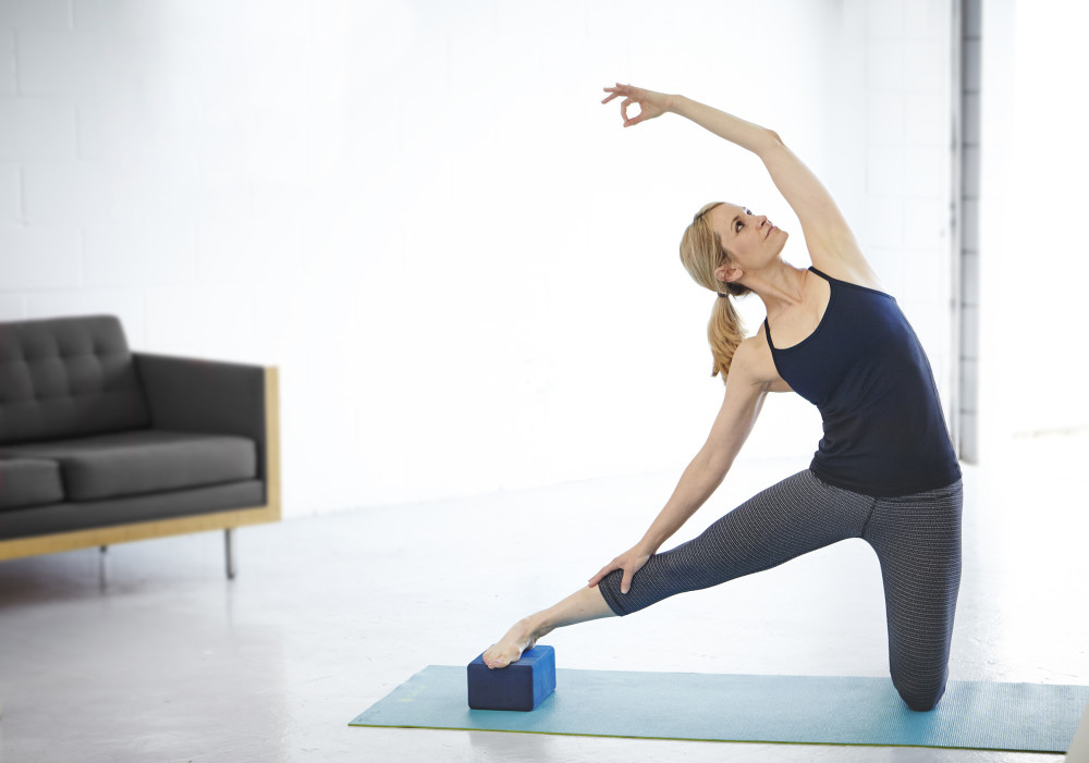 yogasmoga gate pose